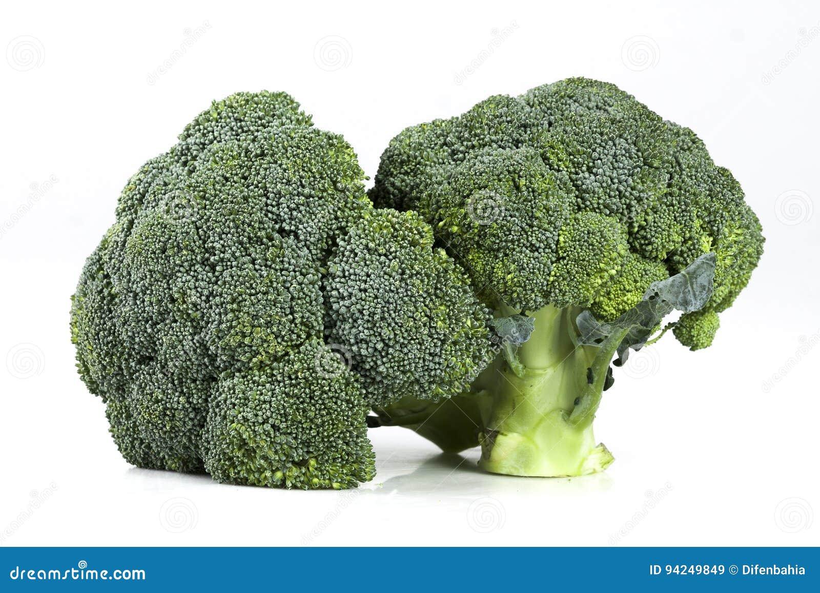 Due teste mature fresche dei broccoli