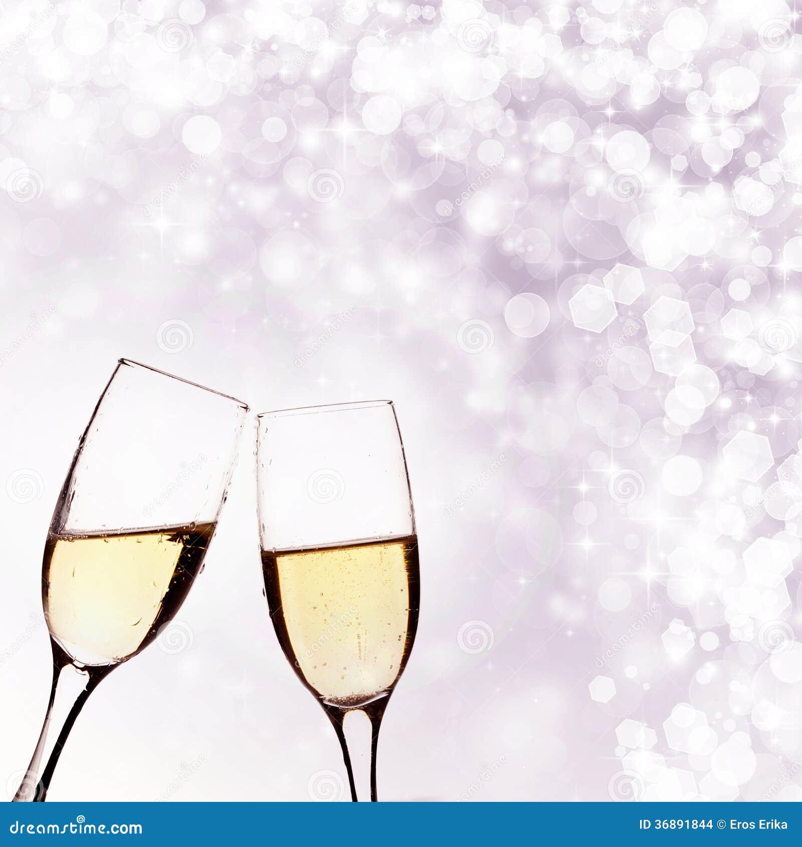 Download Due Vetri Di Champagne Sul Fondo Del Brillante Fotografia Stock - Immagine di fascino, bevanda: 36891844