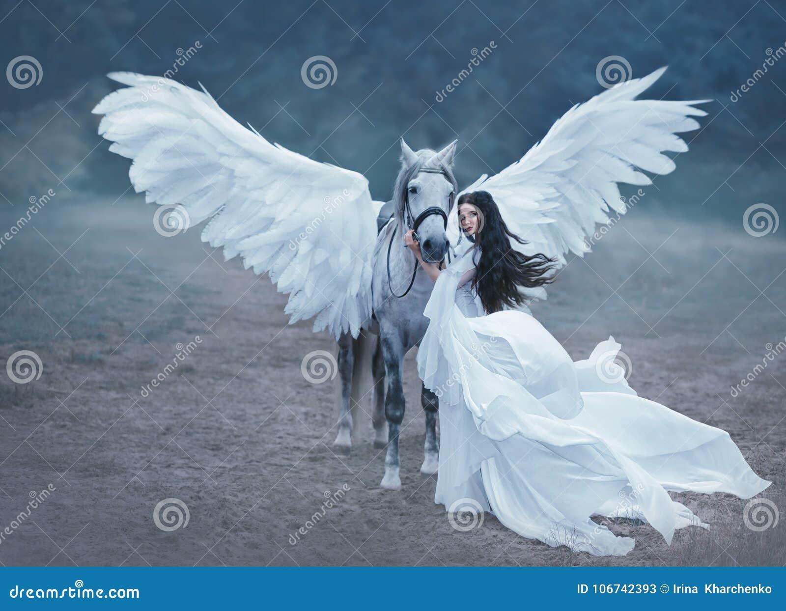 Duende hermoso, joven, caminando con un unicornio Ella está llevando una luz increíble, vestido blanco Hotography del arte