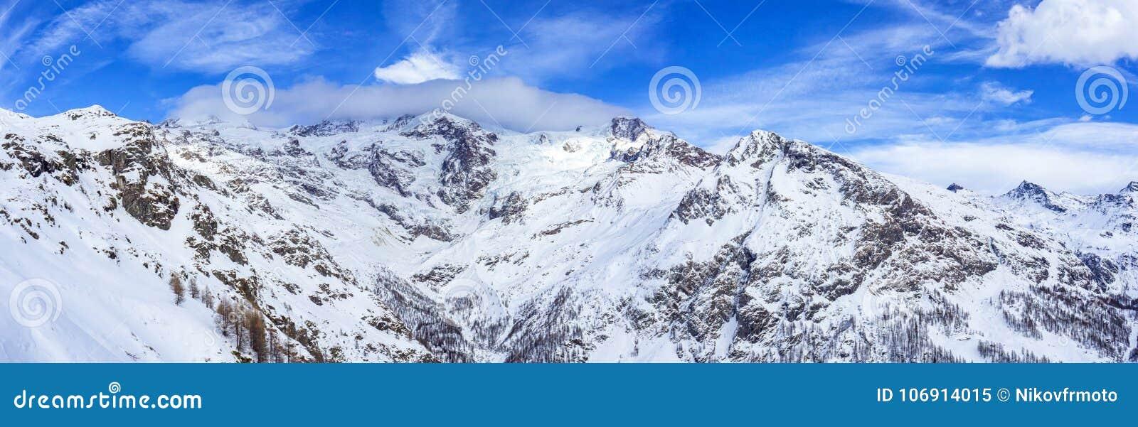 Dufourspitze krajobraz od Gressoney