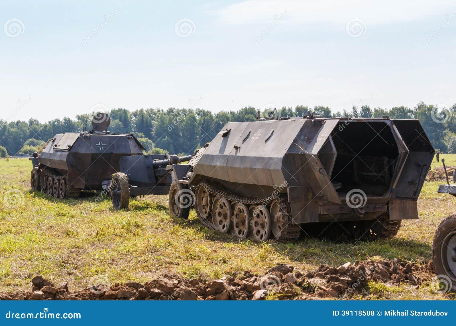 Duits helft-spoor gepantserd personeel SdKfz 250