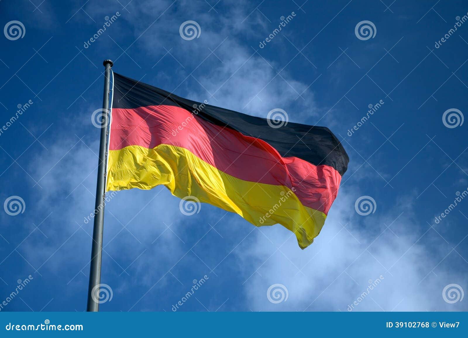 Duitse nationale vlag die in de wind golven