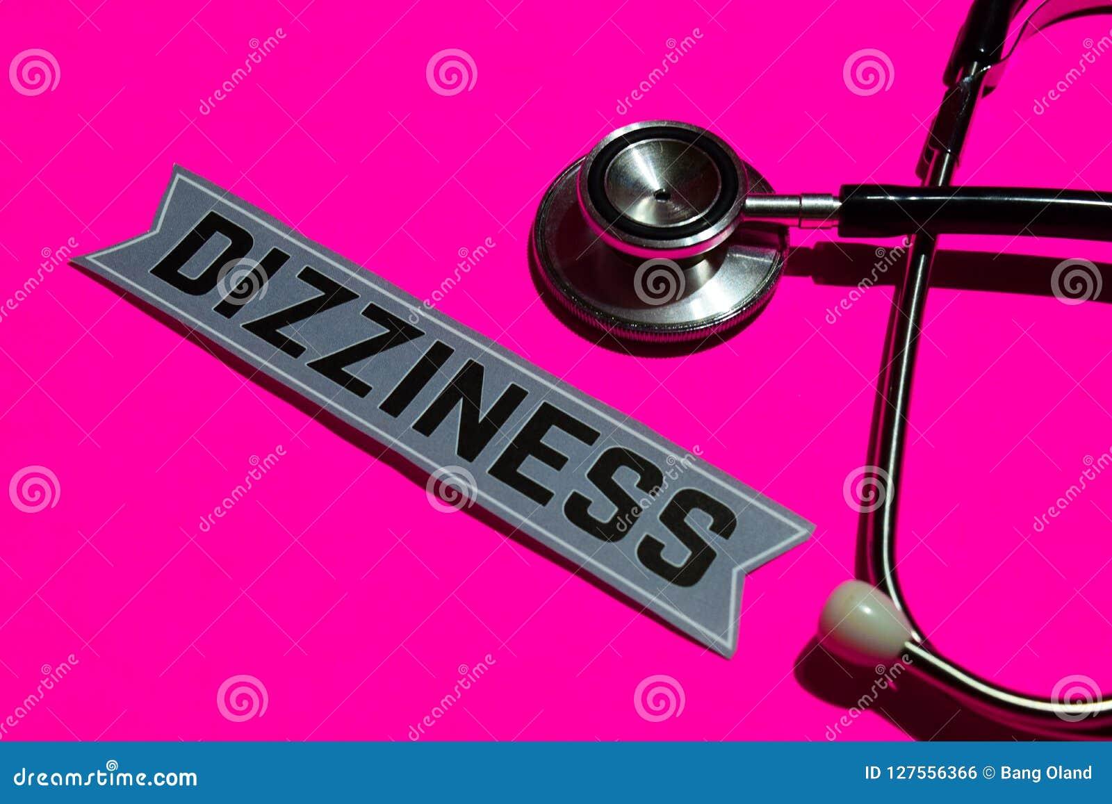 Duizeligheid op het document met gezondheidszorg voor bejaarden-Concept