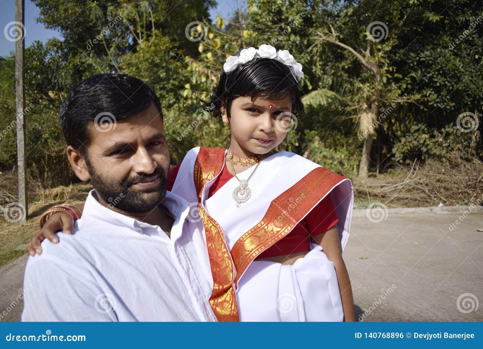 Dumny ojciec z jego córką