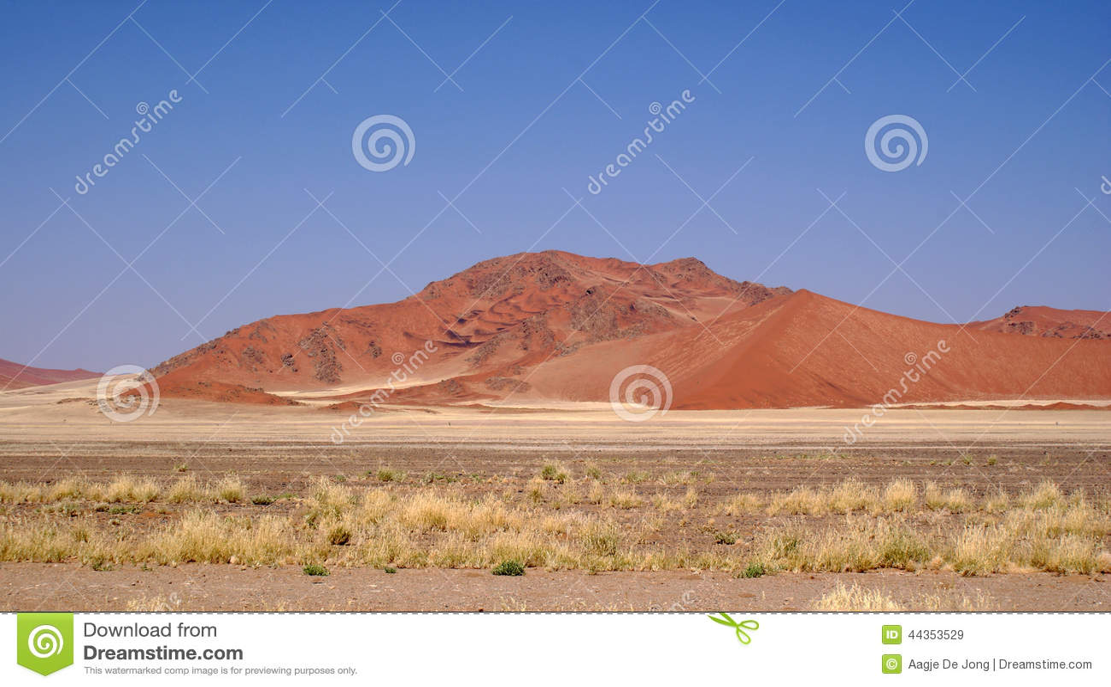 Duna di sabbia rossa nel deserto di Namib