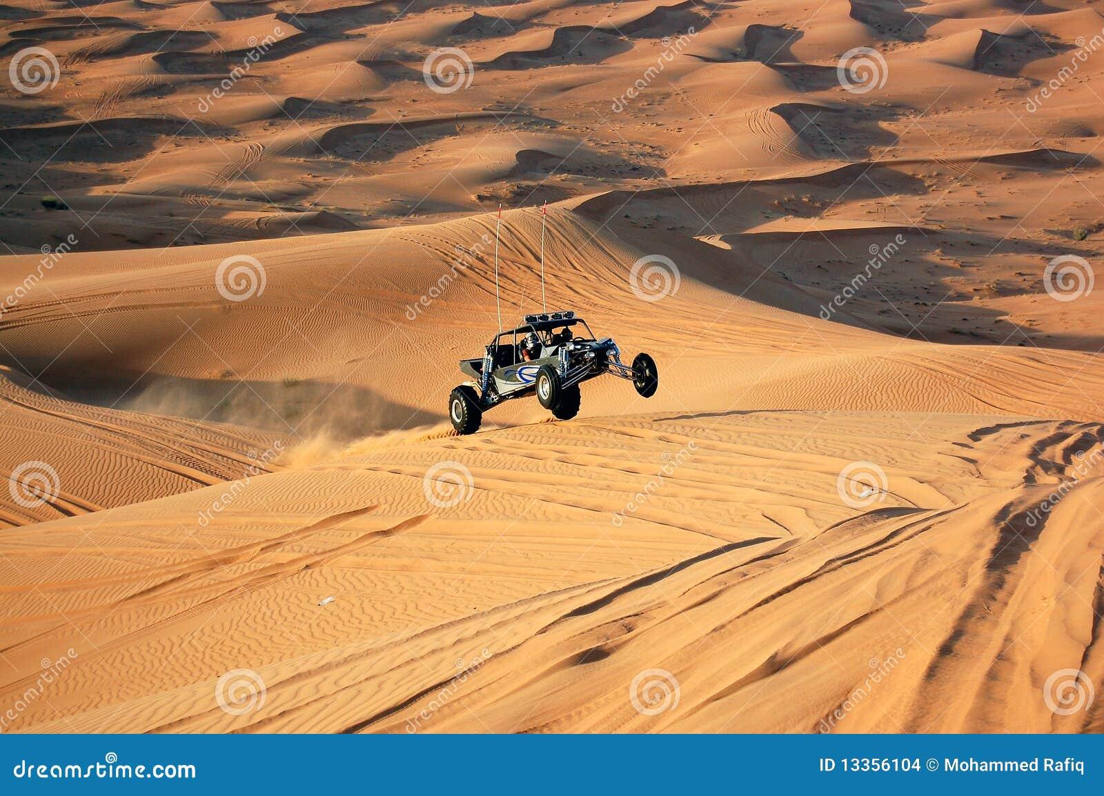 Duna que bashing com um buggy de duna