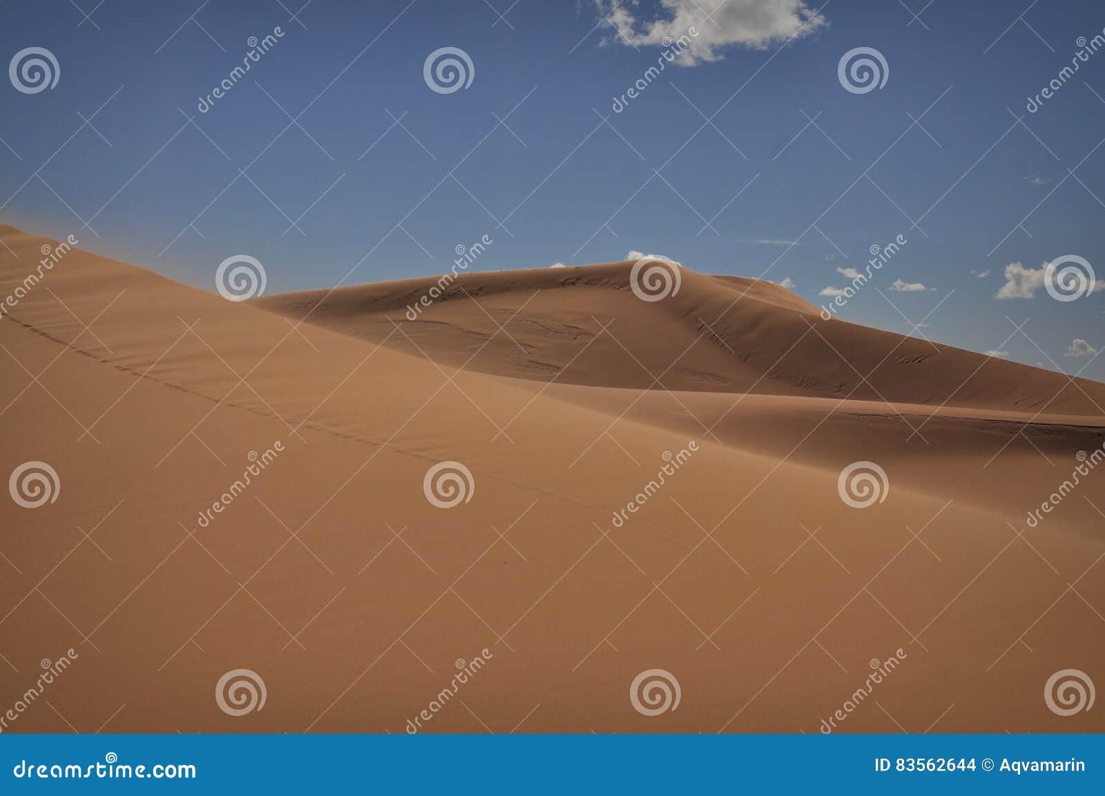 Dunas grandes del desierto del Sáhara