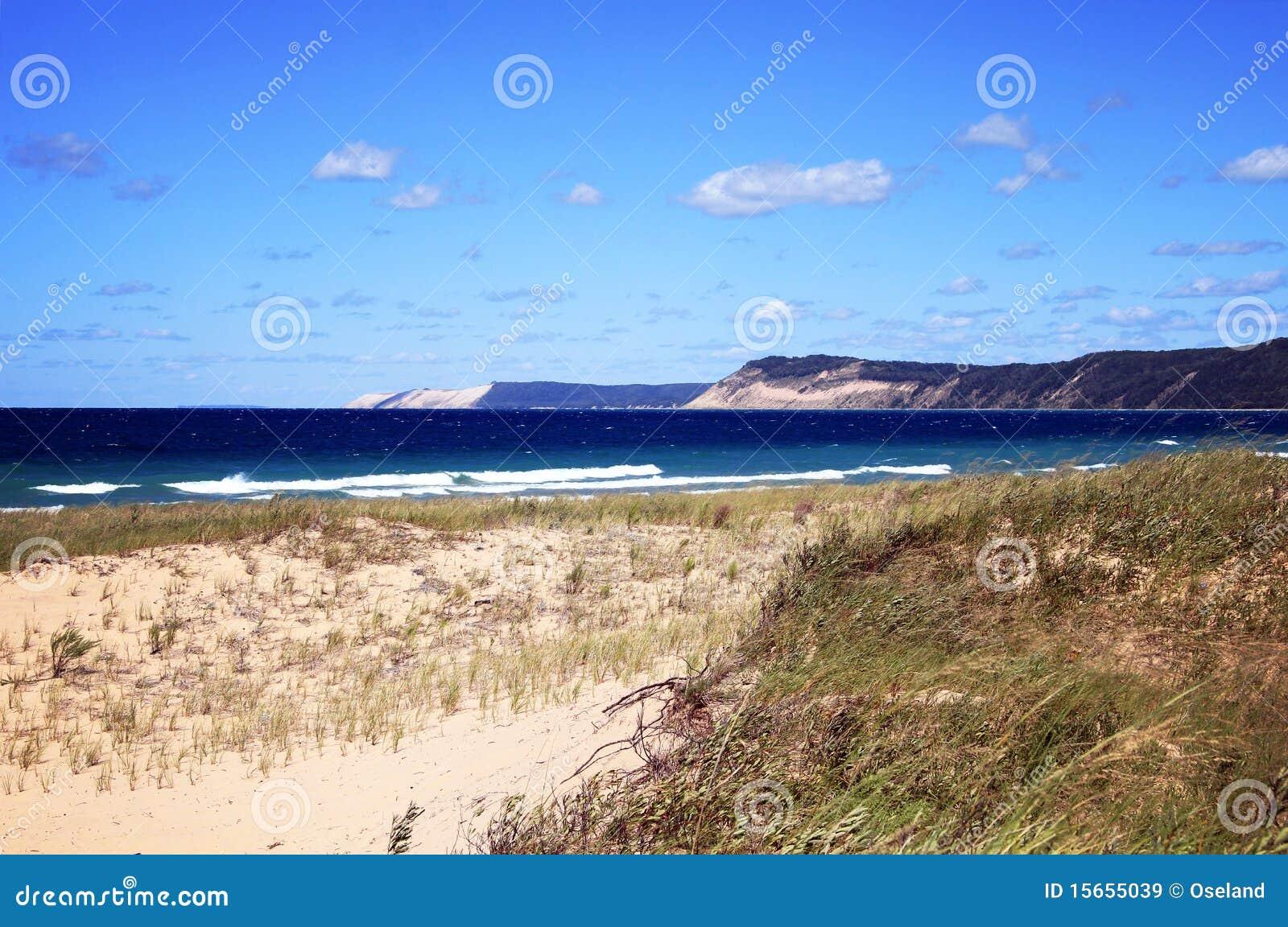 Dune dell 39 orso di sonno immagine stock immagine di grande for Affitti cabina grande lago orso