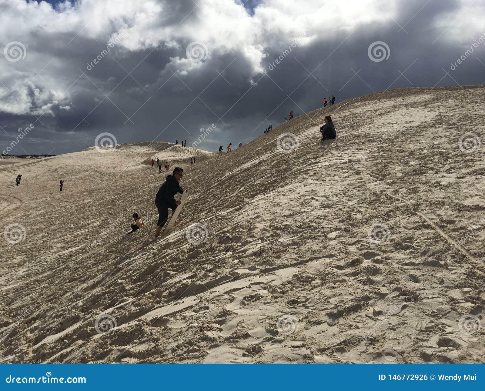 Dunes de sable surfantes en Australie