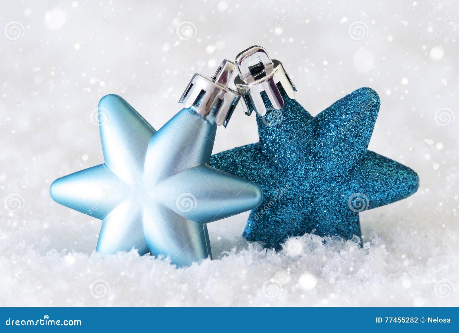 Christbaumkugeln Sterne.Dunkle Und Hellblaue Sterne Christbaumkugeln Schnee