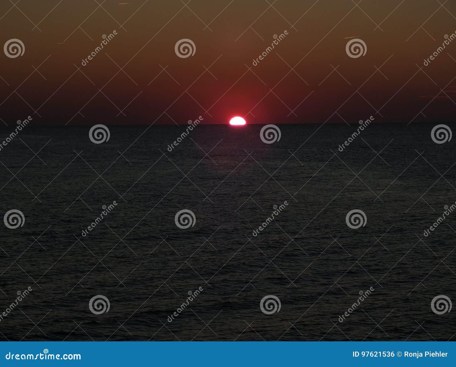 Dunkler Sun