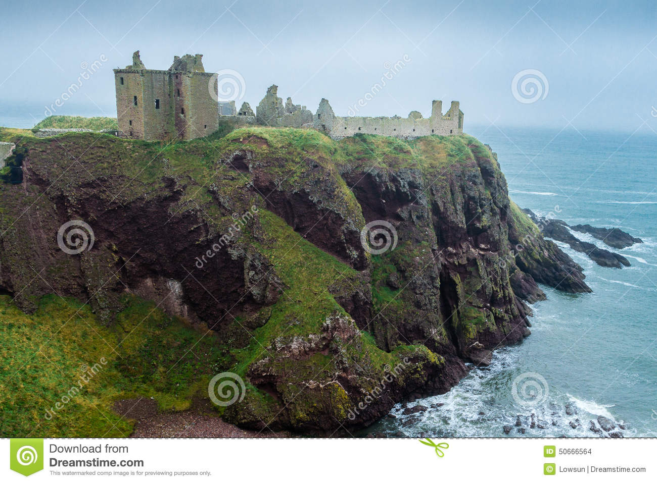 Dunnottar Castle Promontory Side View Editorial Image - Image ...