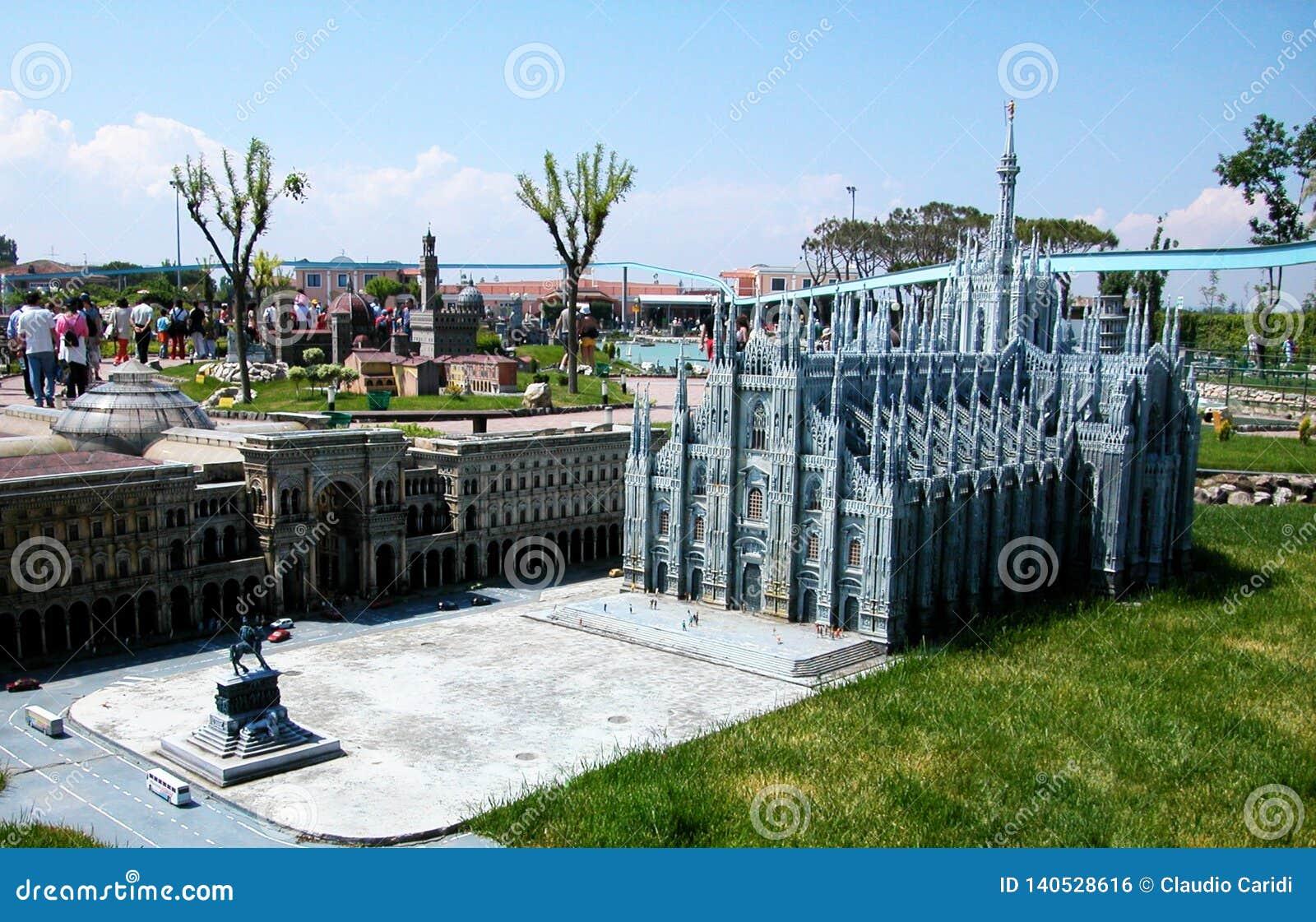 Duomo Mediolan w parku tematycznym «Włochy w miniaturowym «Italia w miniaturze Viserba, Rimini, Włochy