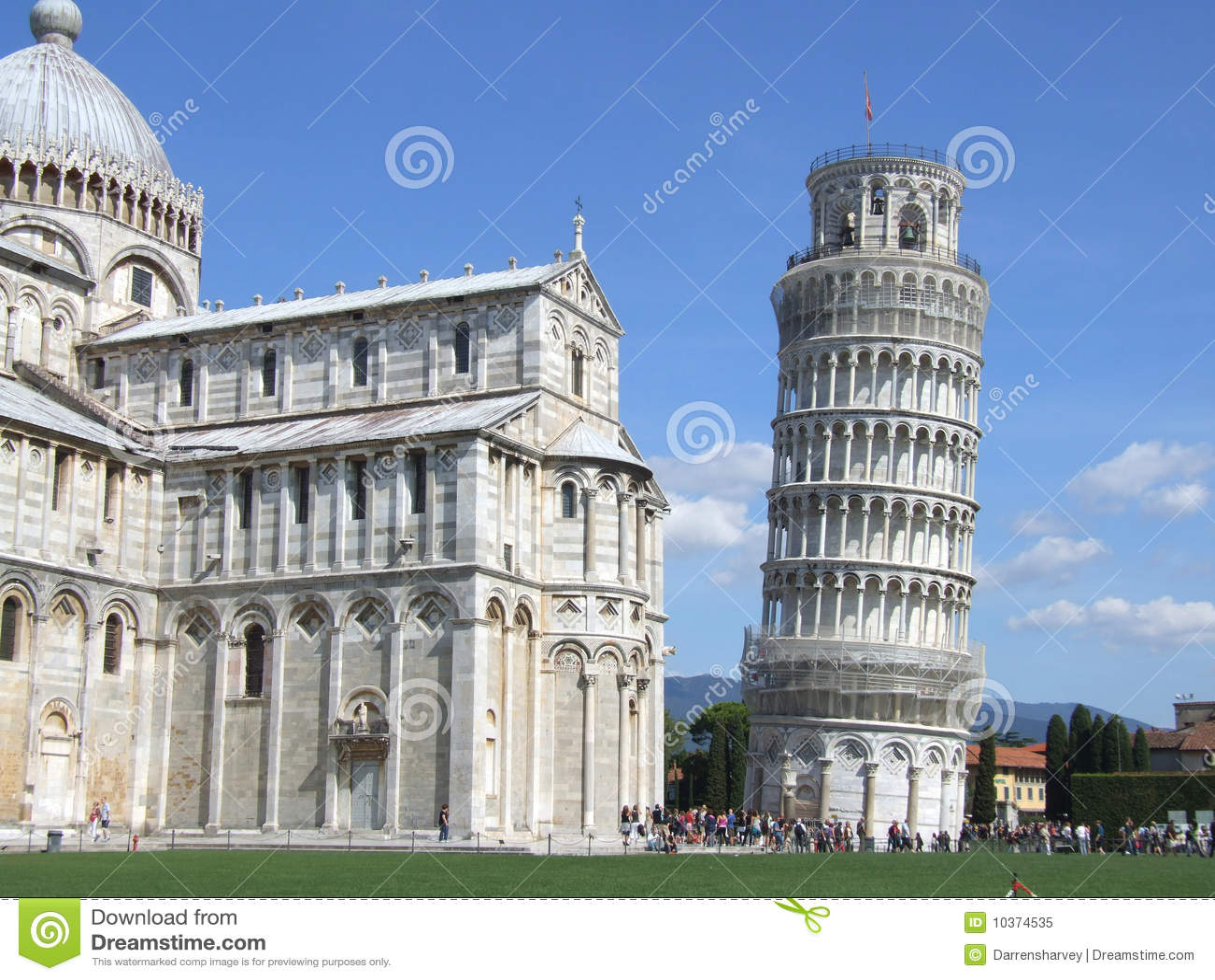 Duomo som lutar det pisa tornet