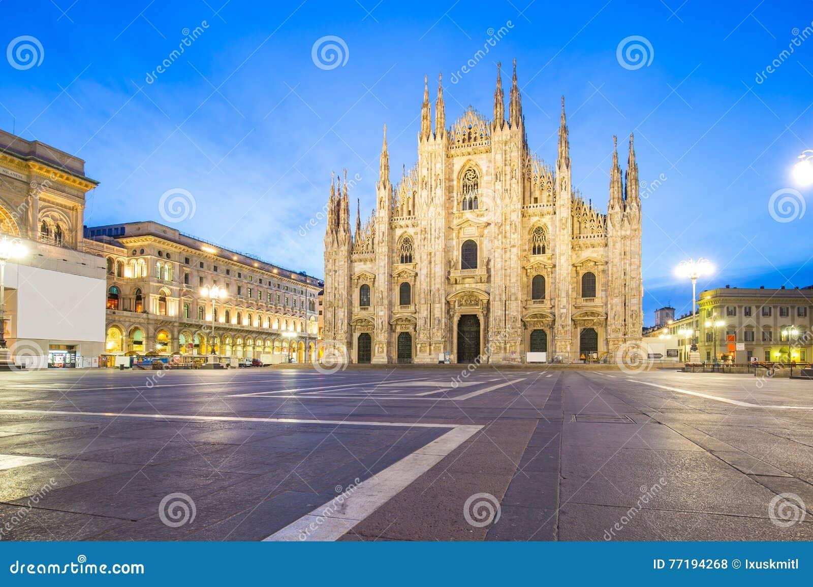 Duomoen av Milan Cathedral i Milano, Italien