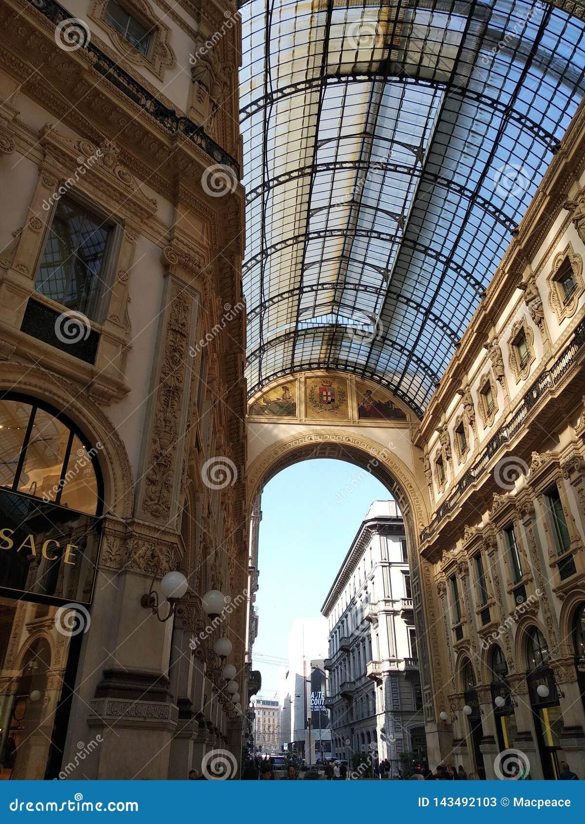 DuomoMilano kommersiellt område