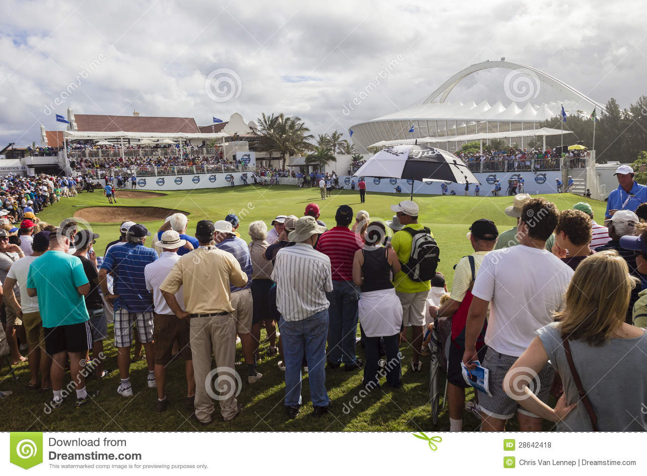 The Durban Country Club: Durban Country Club Final Green Spectators Editorial Stock