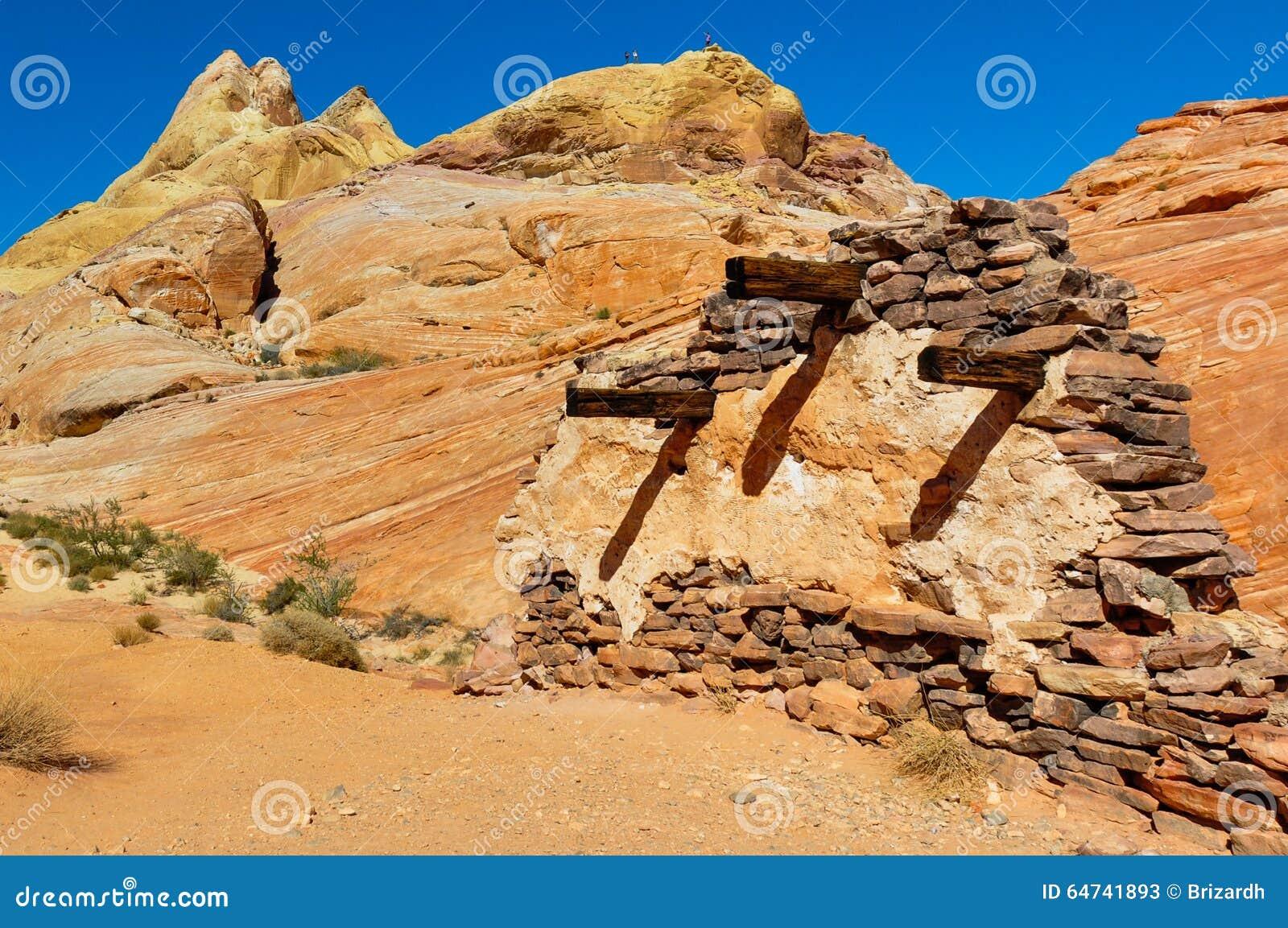 Durchführungswand im Tal des Feuer-provinziellen Parks, Nevada, USA