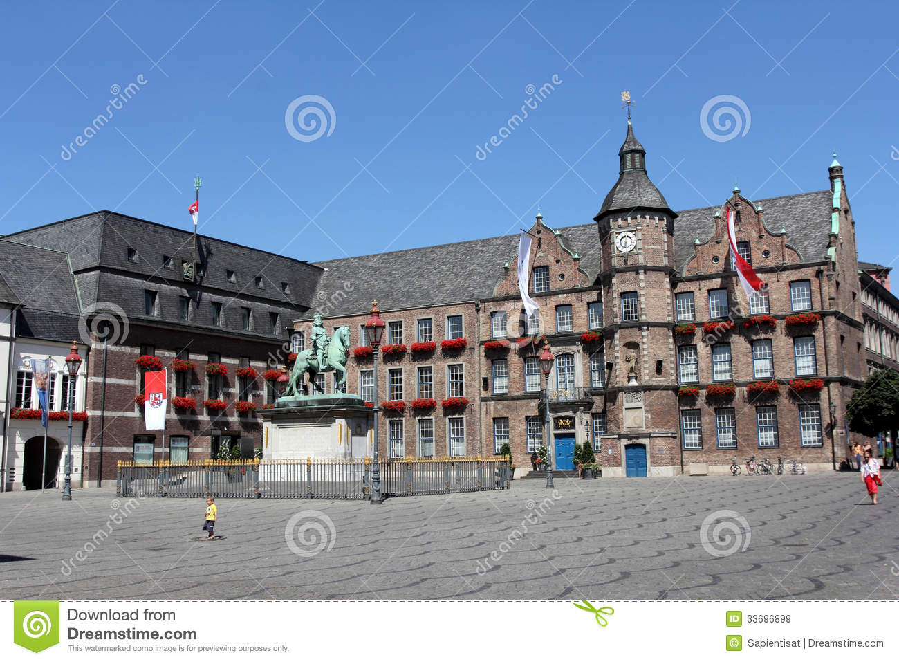 Dusseldorf Germany  city photos : Dusseldorf, Germany Editorial Stock Image Image: 33696899