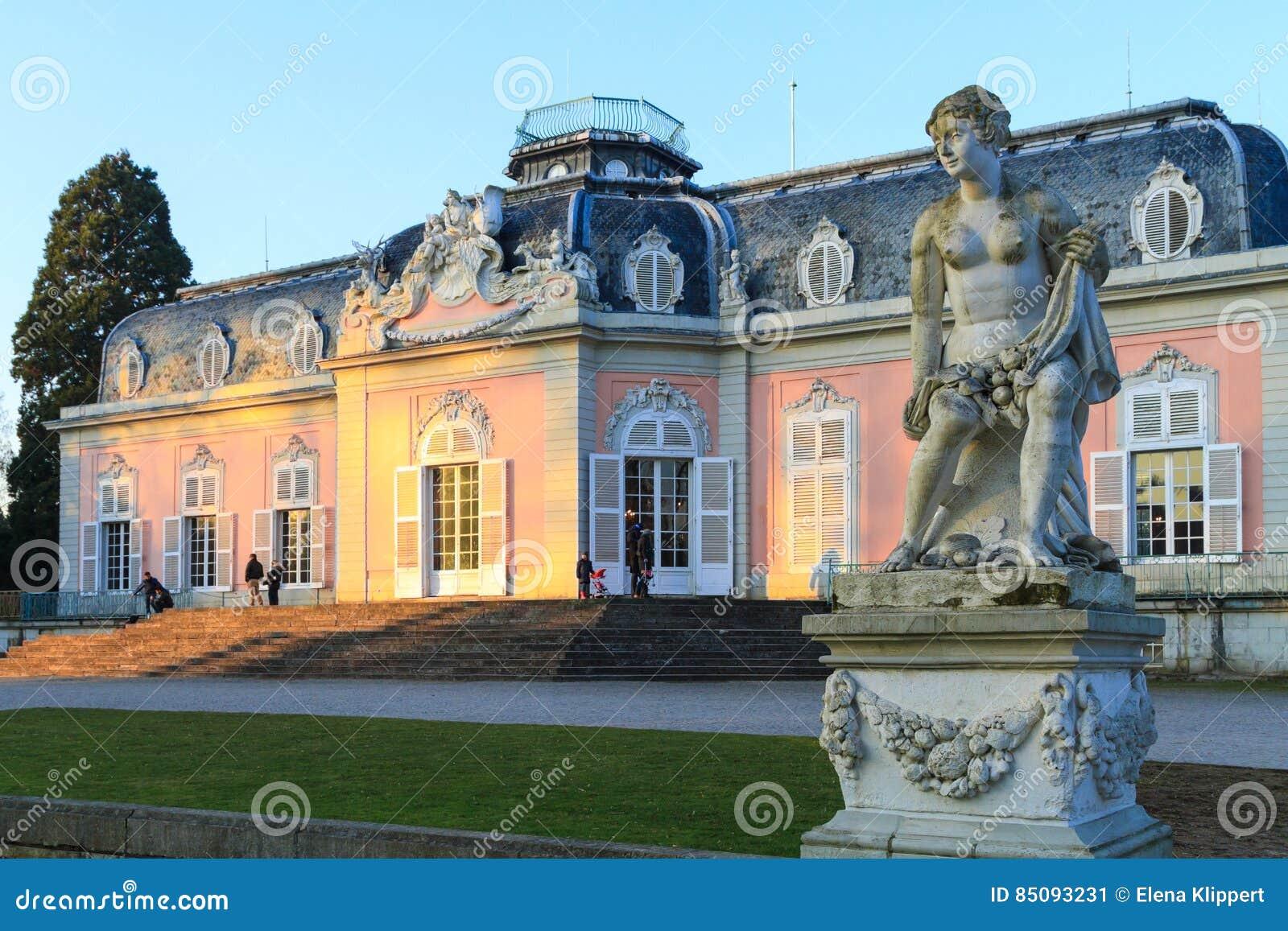 Dusseldorf, Nordrhein-Westfalen, Deutschland - 22. Januar 2017 Schloss Benrath