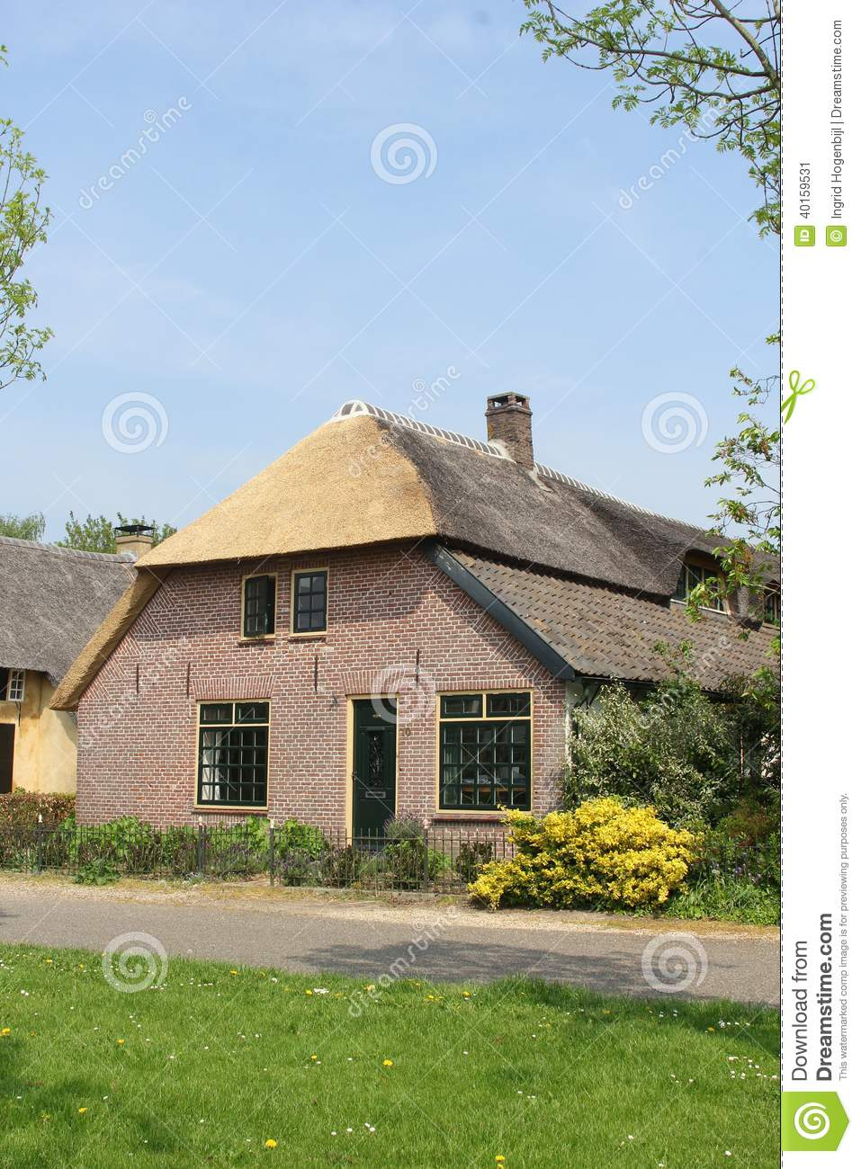 Dutch home in farm style with thatched roof betuwe Farm house netherlands