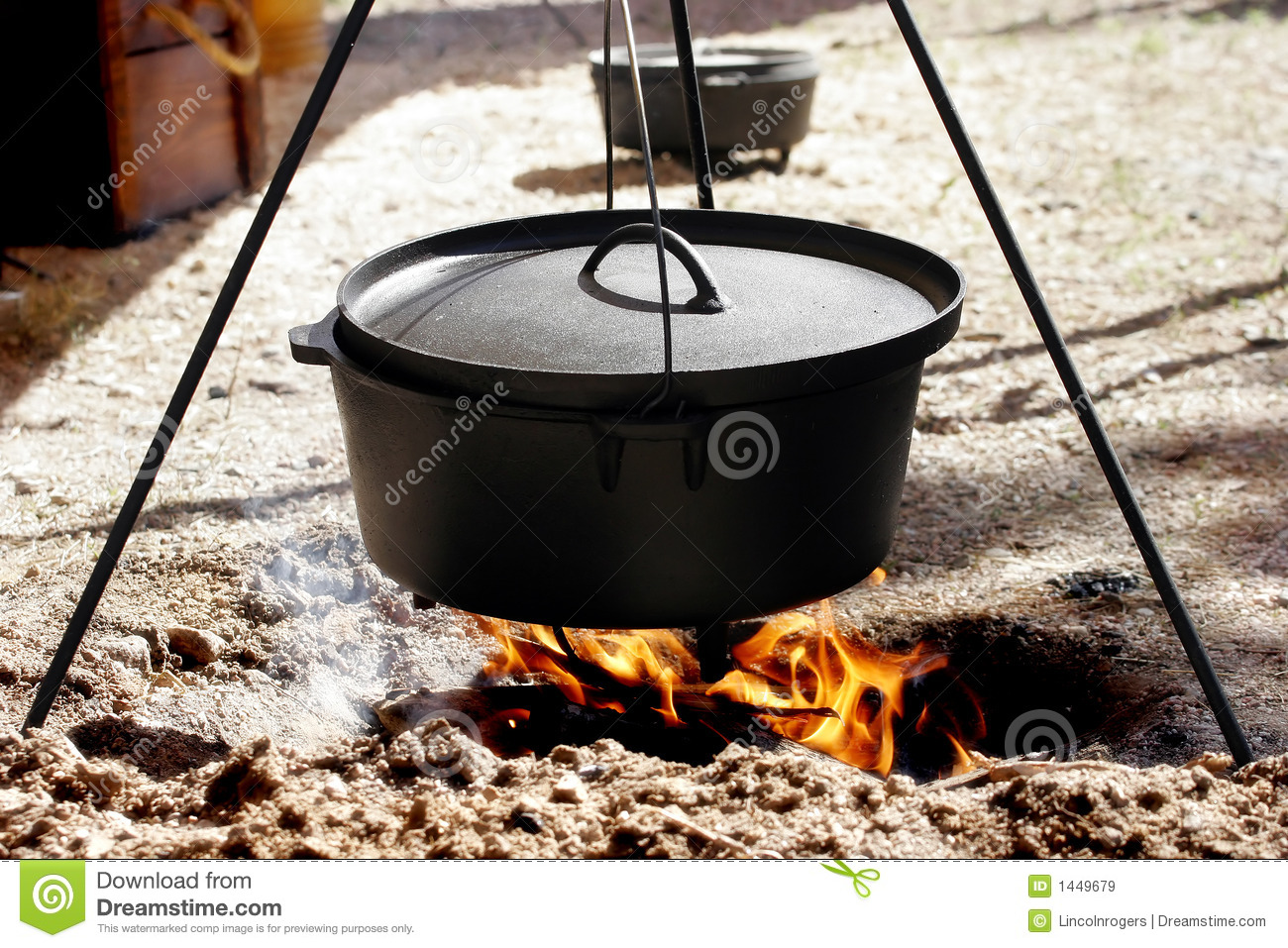 Dutch Oven Cooking Over Open Flame Royalty Free Stock Images - Image ...