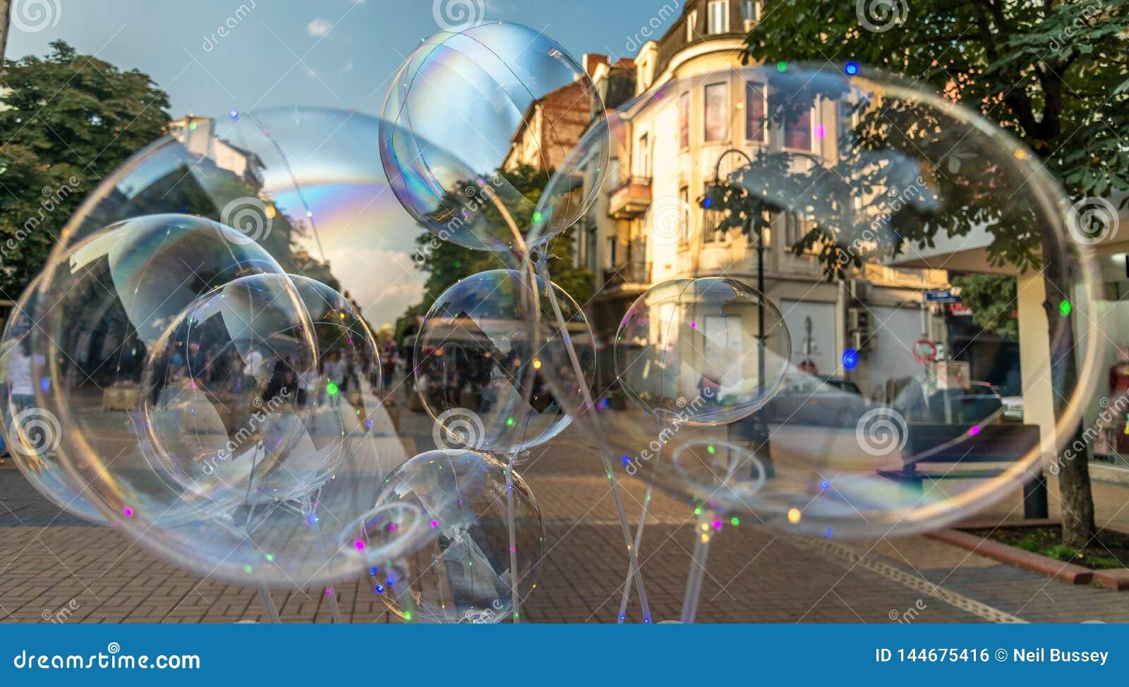 Duzi bąble, Sofia, Bułgaria, sprzedający w ulicie, centrum miasta