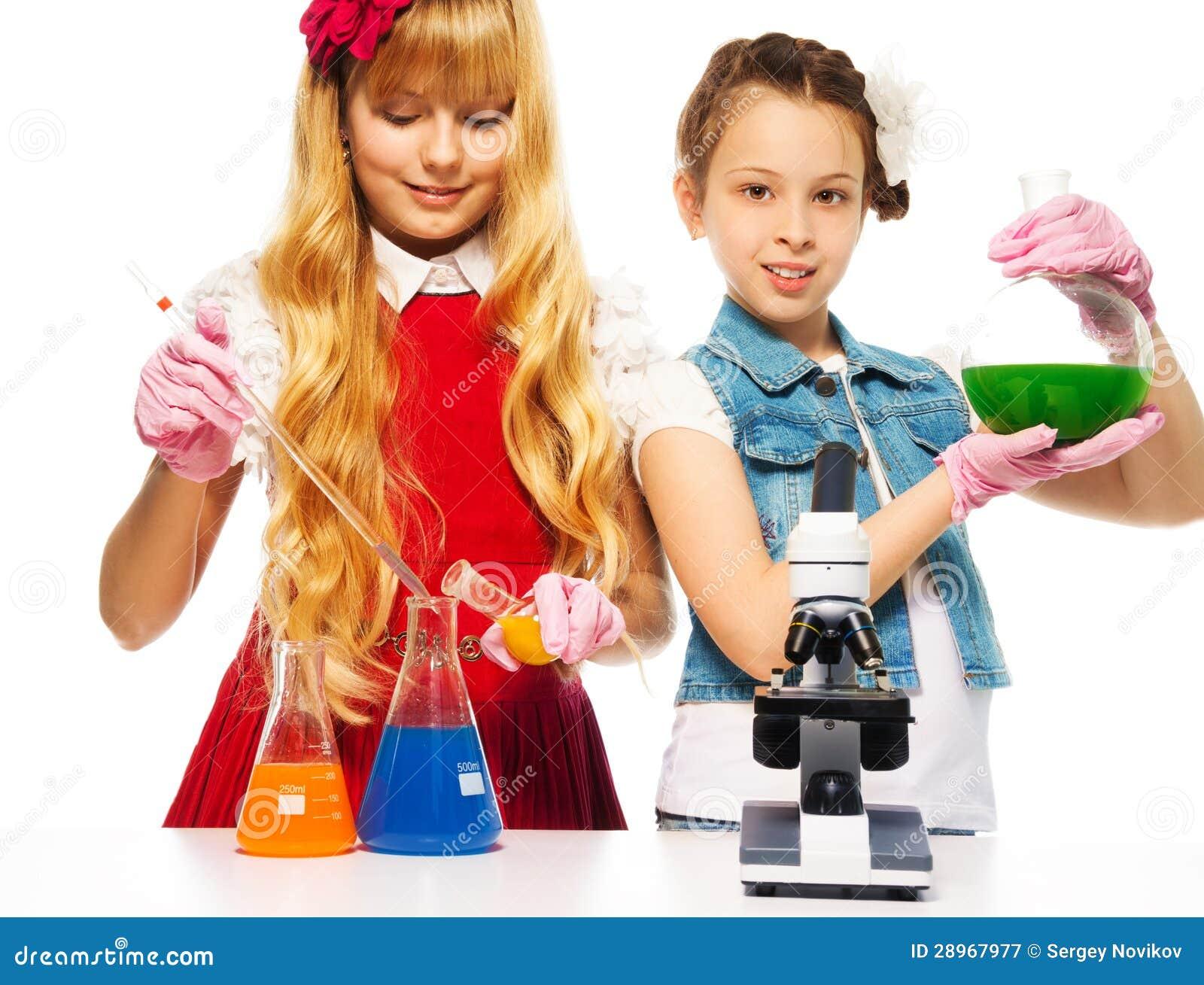 Dwa chemii i dziewczyny