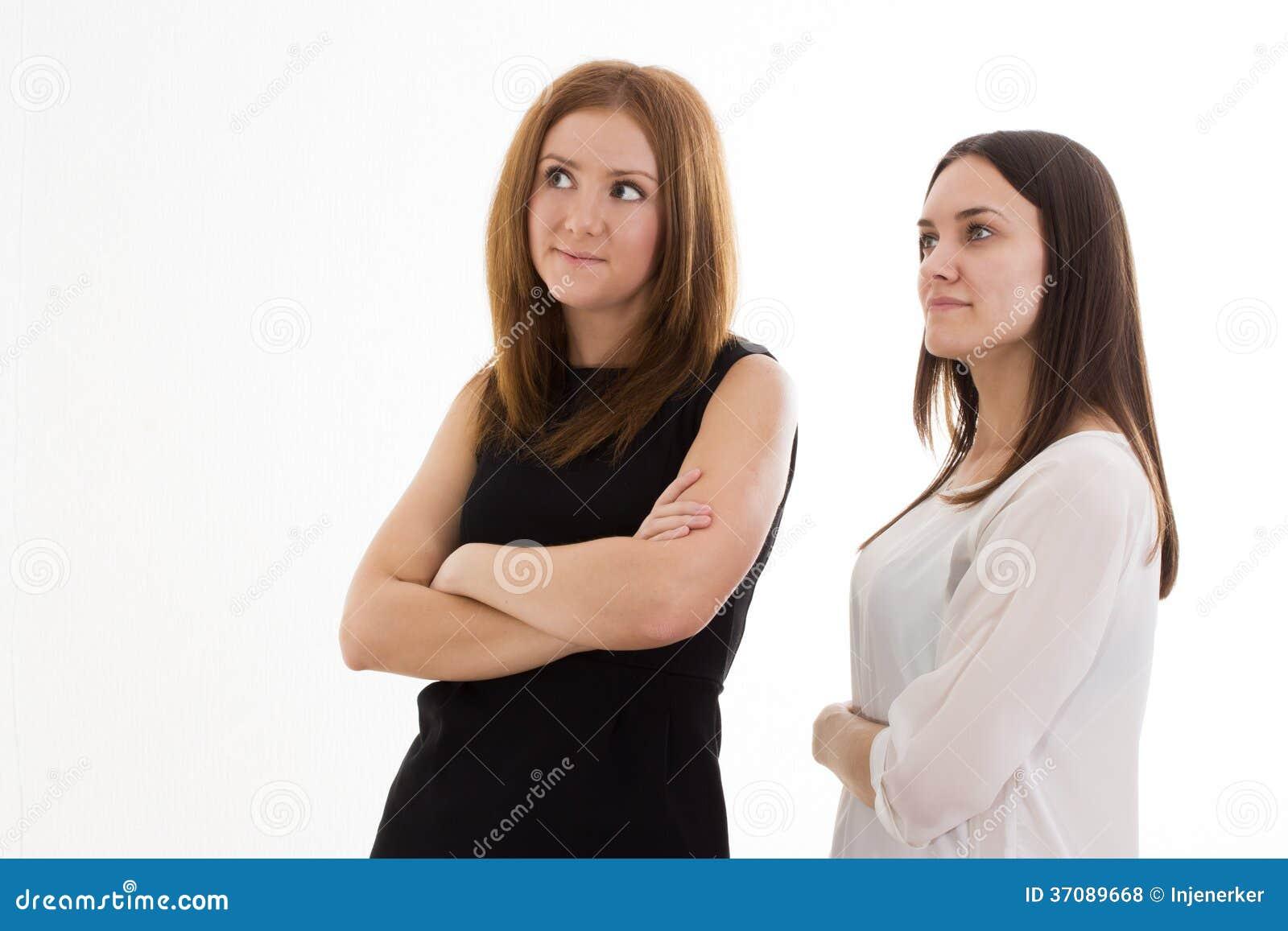 Download Dwa Dziewczyny Patrzeje Strona Zdjęcie Stock - Obraz złożonej z przyjaźń, ciało: 37089668