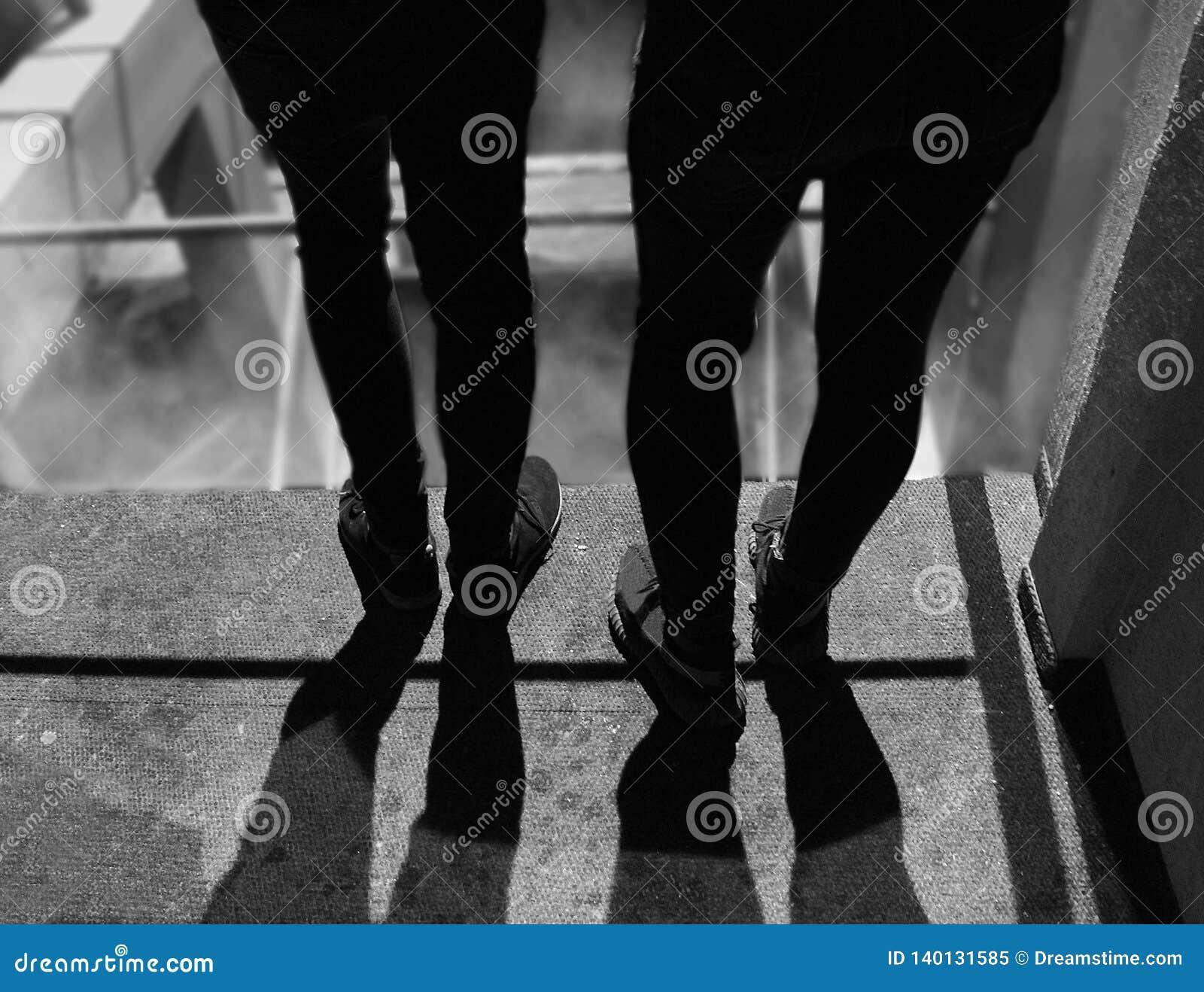 Dwa mężczyzny w czerni, sztuki fotografia dla wszystko
