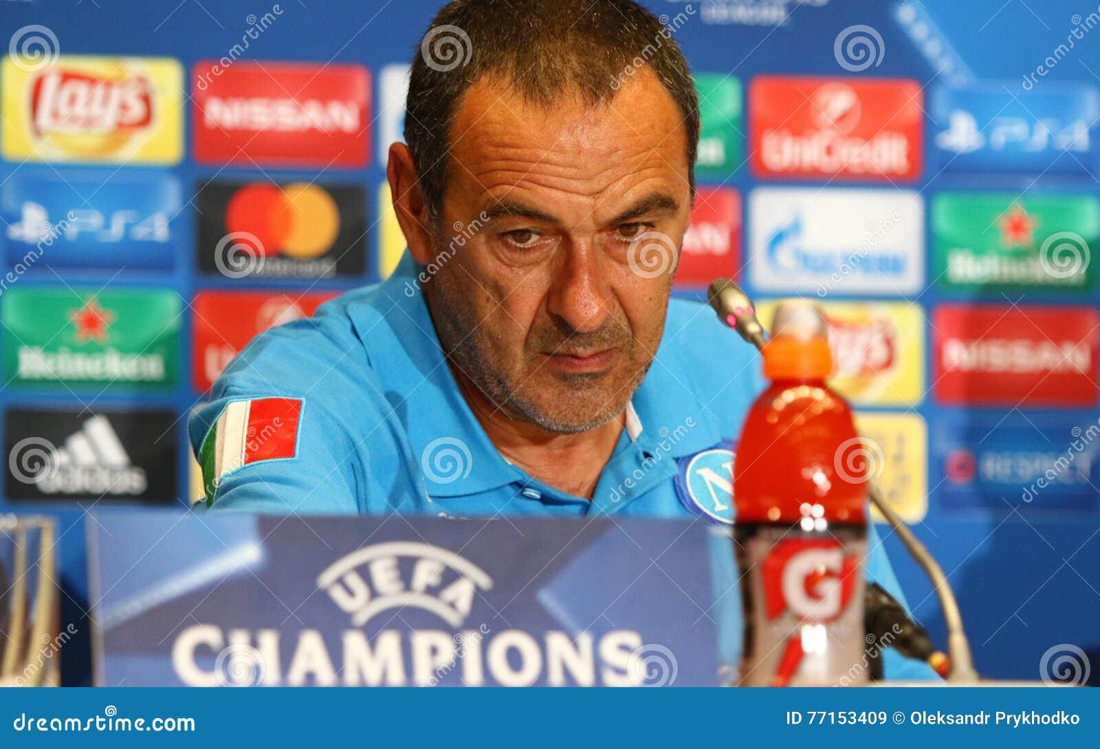 Dynamo Kyiv v Napoli de ligue de champions d UEFA : presse-conférence de Pré-match