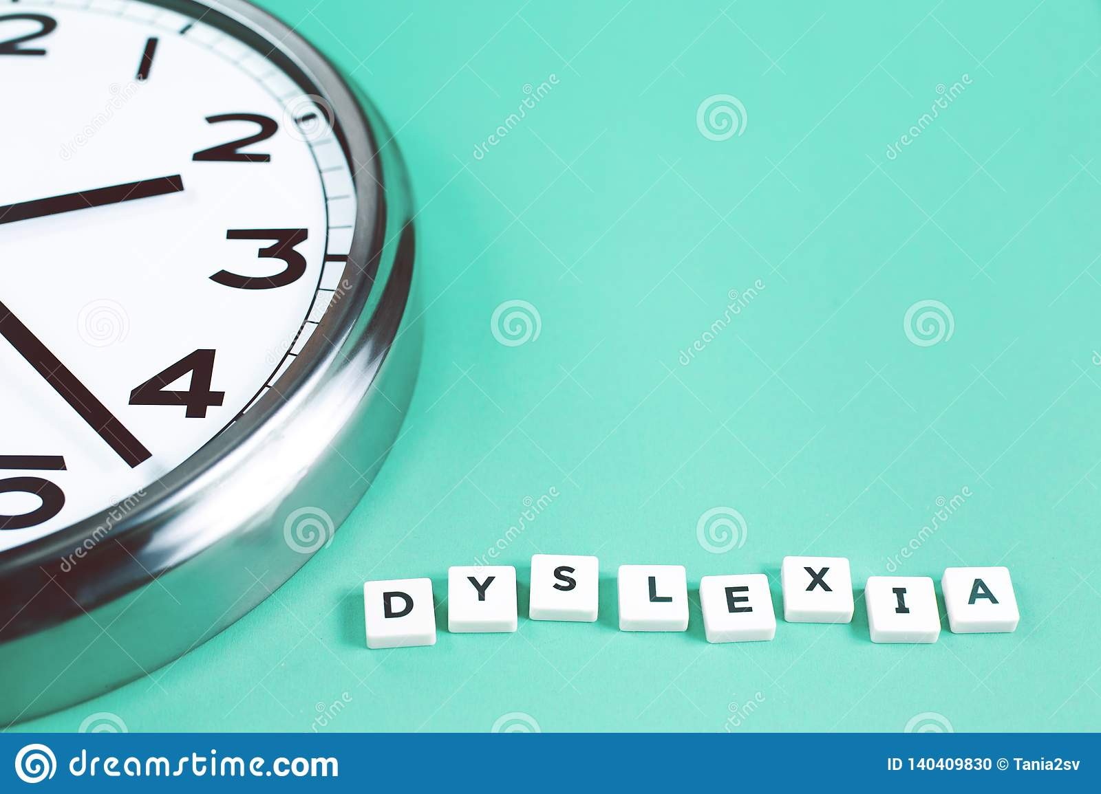Dyslexia and read words with a big clock