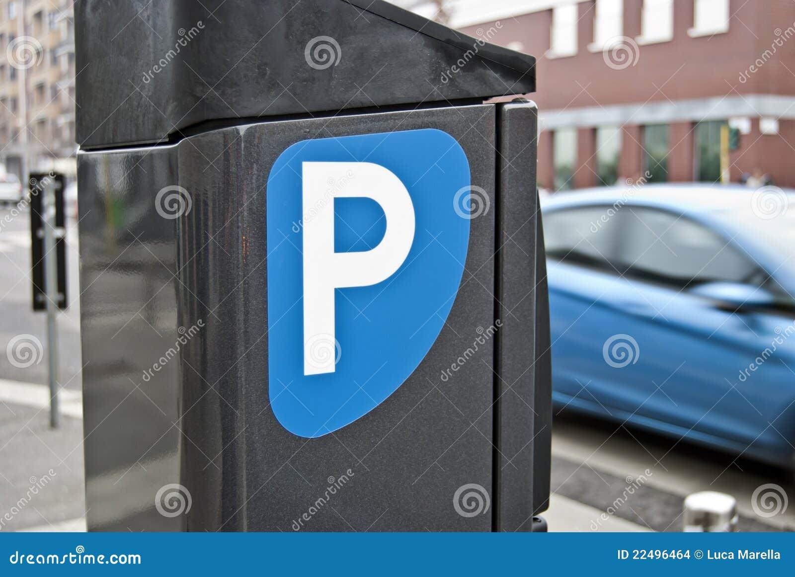 Dystrybutorów mandat za złe parkowanie