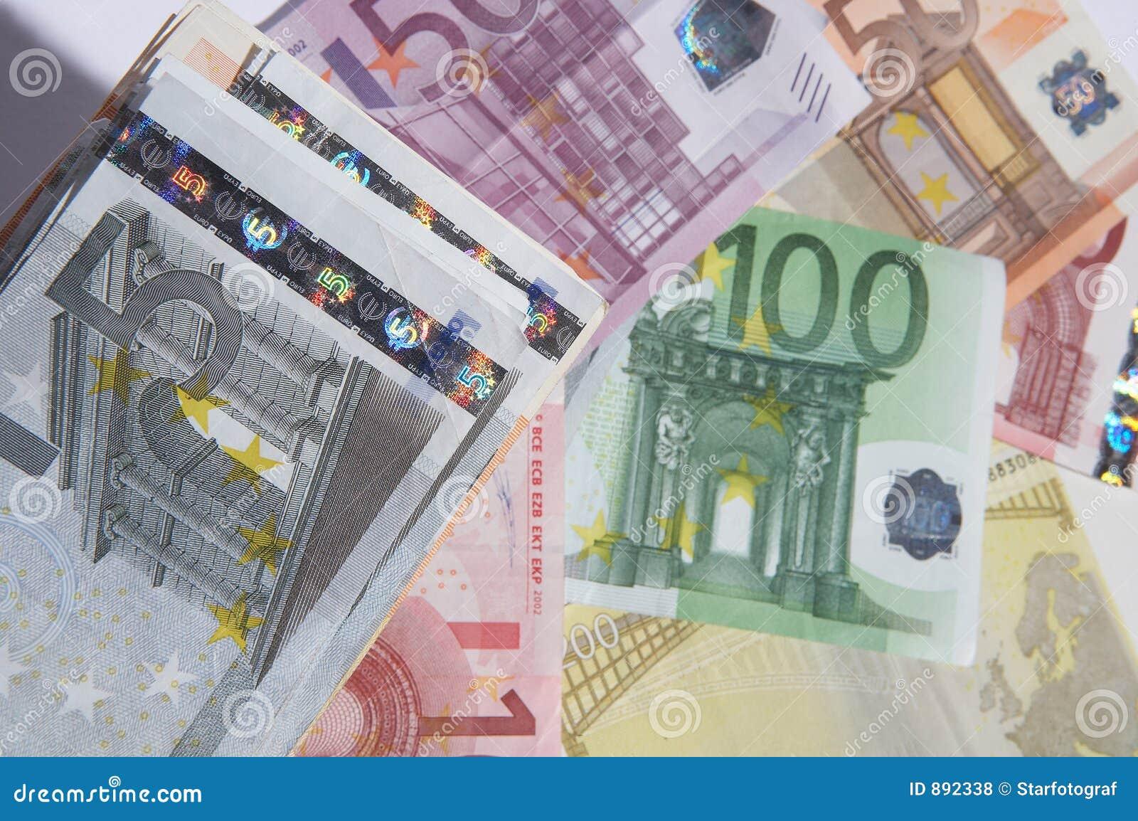 Dywanowy pieniądze