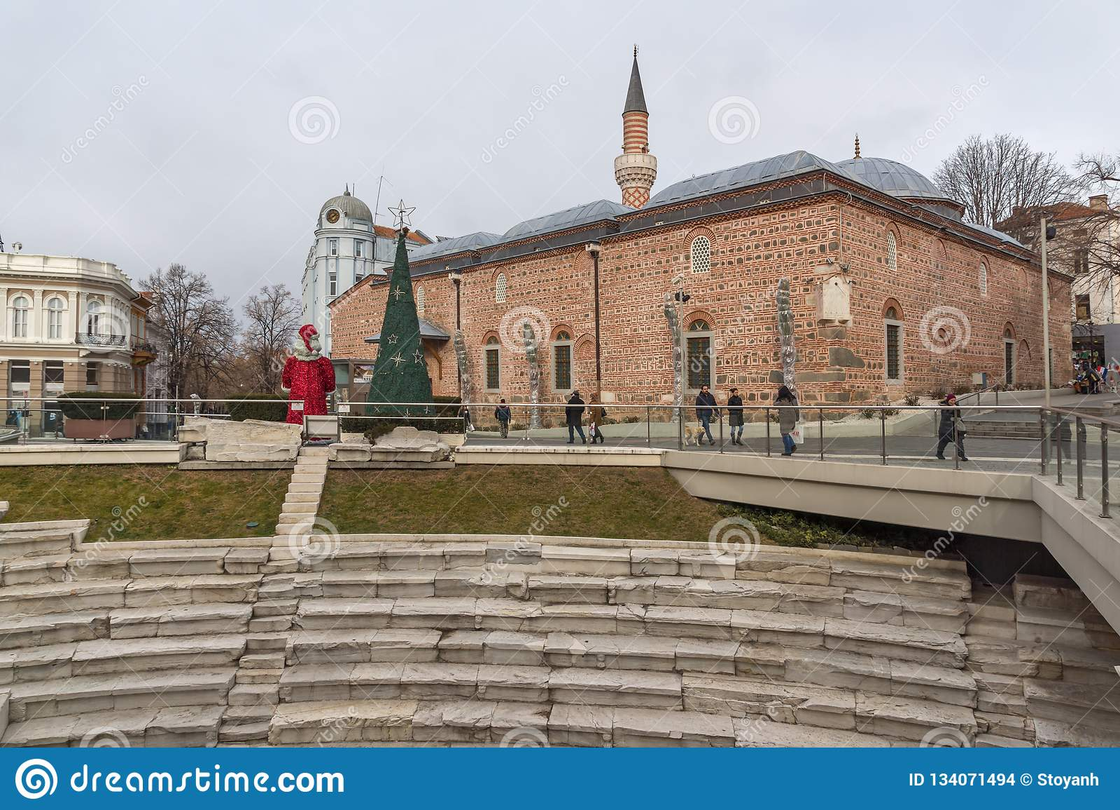 Dzhumaya清真寺和罗马体育场在市普罗夫迪夫,保加利亚