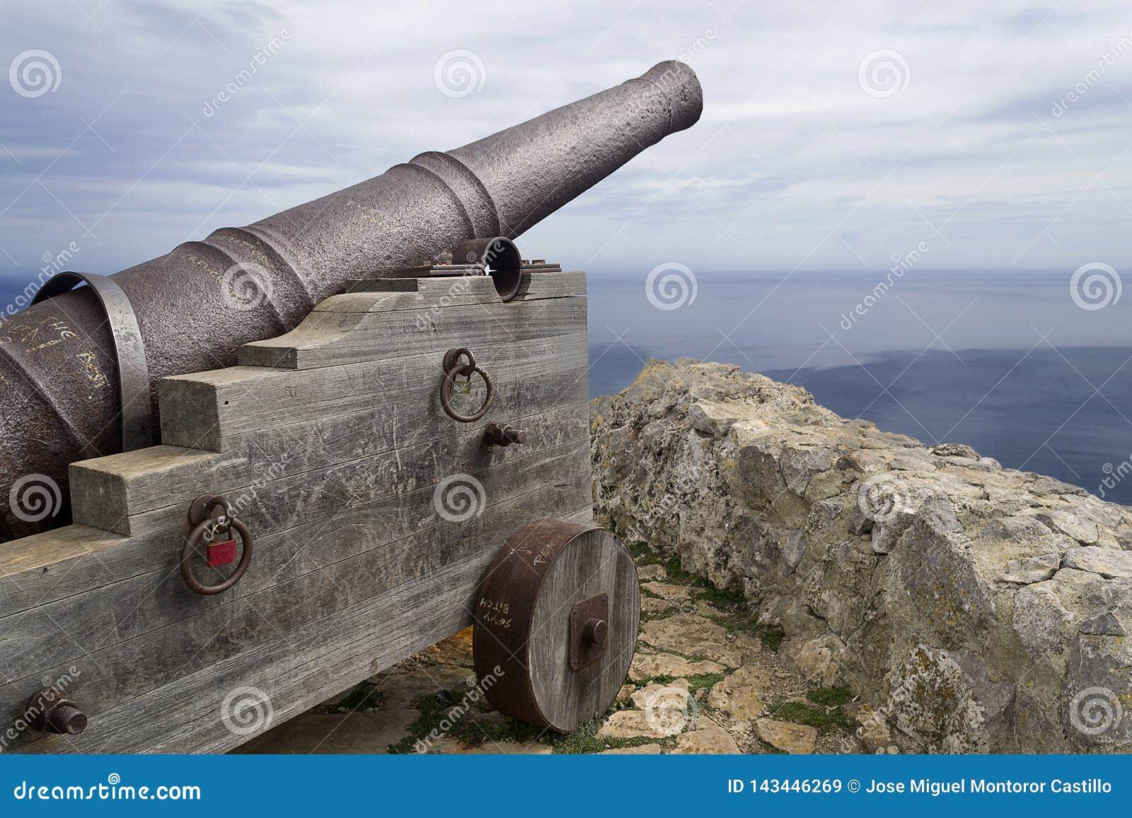 Działo w fortecy w Mallorca
