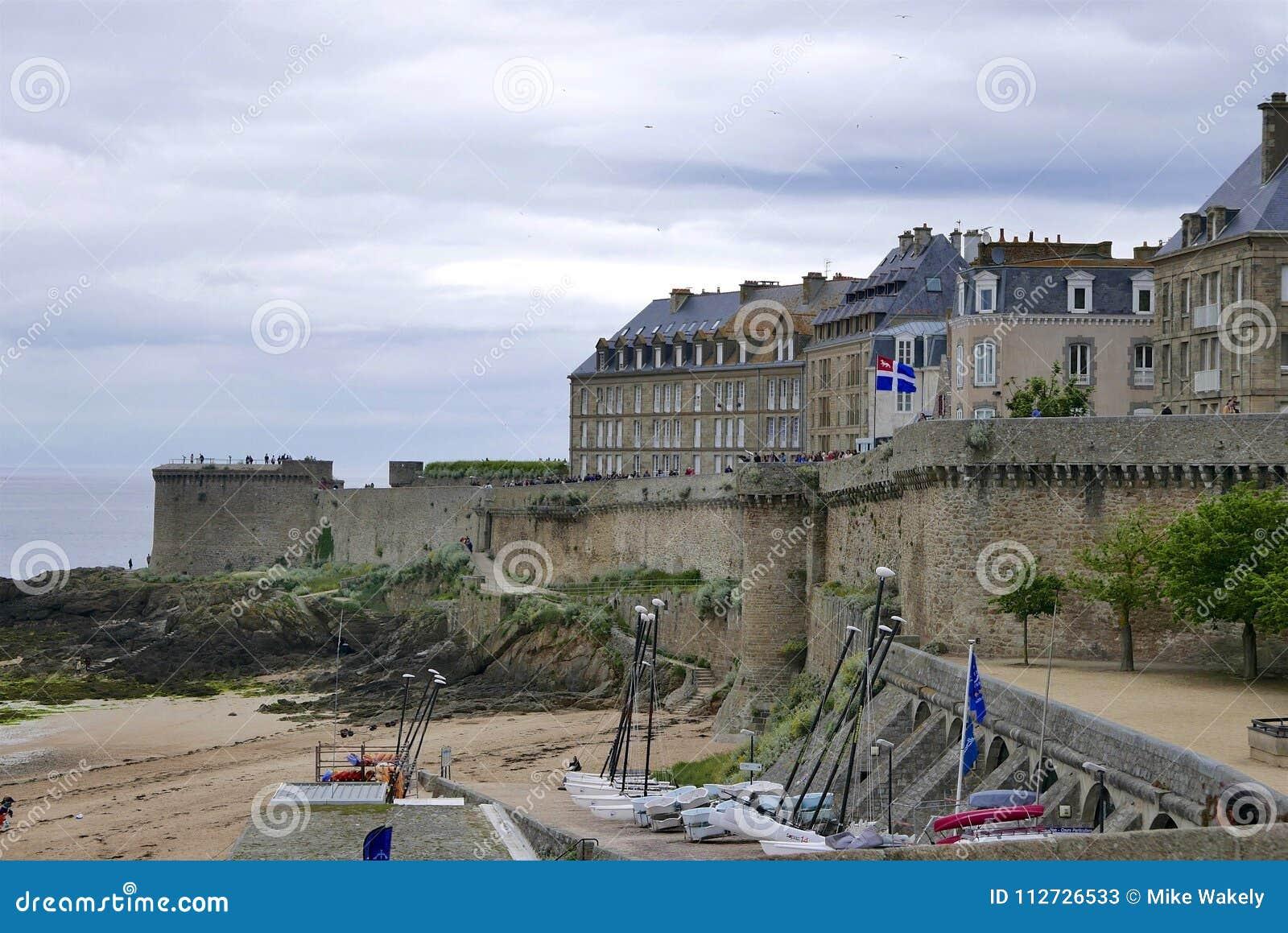 Działo w St Malo ramparts