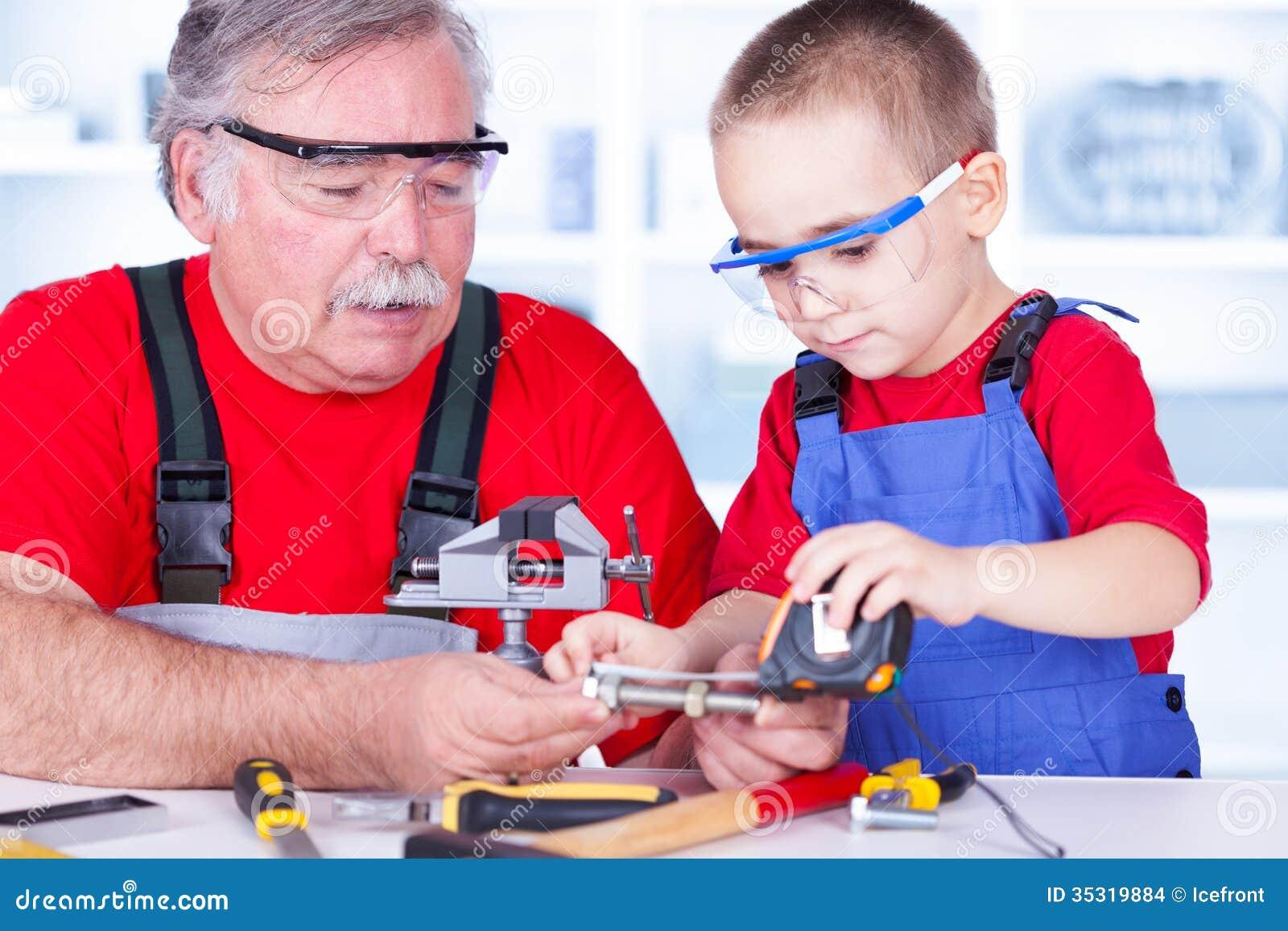Dziadu i wnuka pomiarowy rygiel
