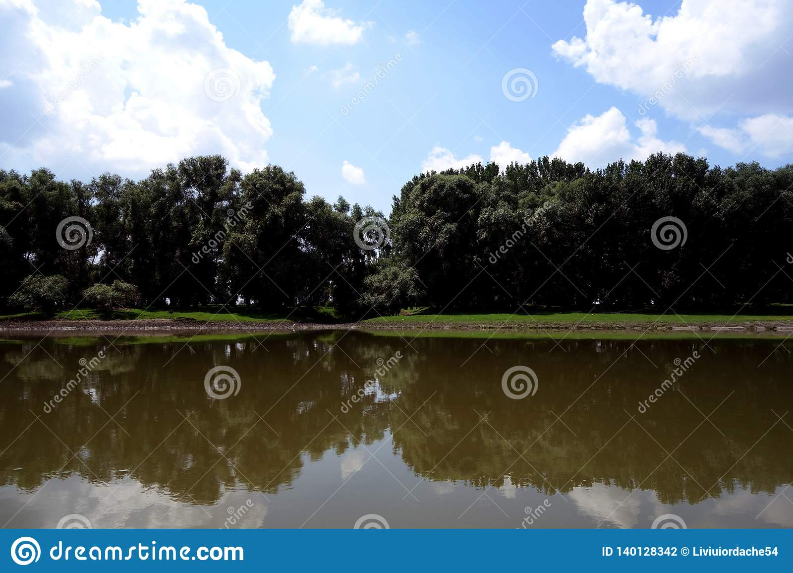 Dzicy miejsca na Danube rękach