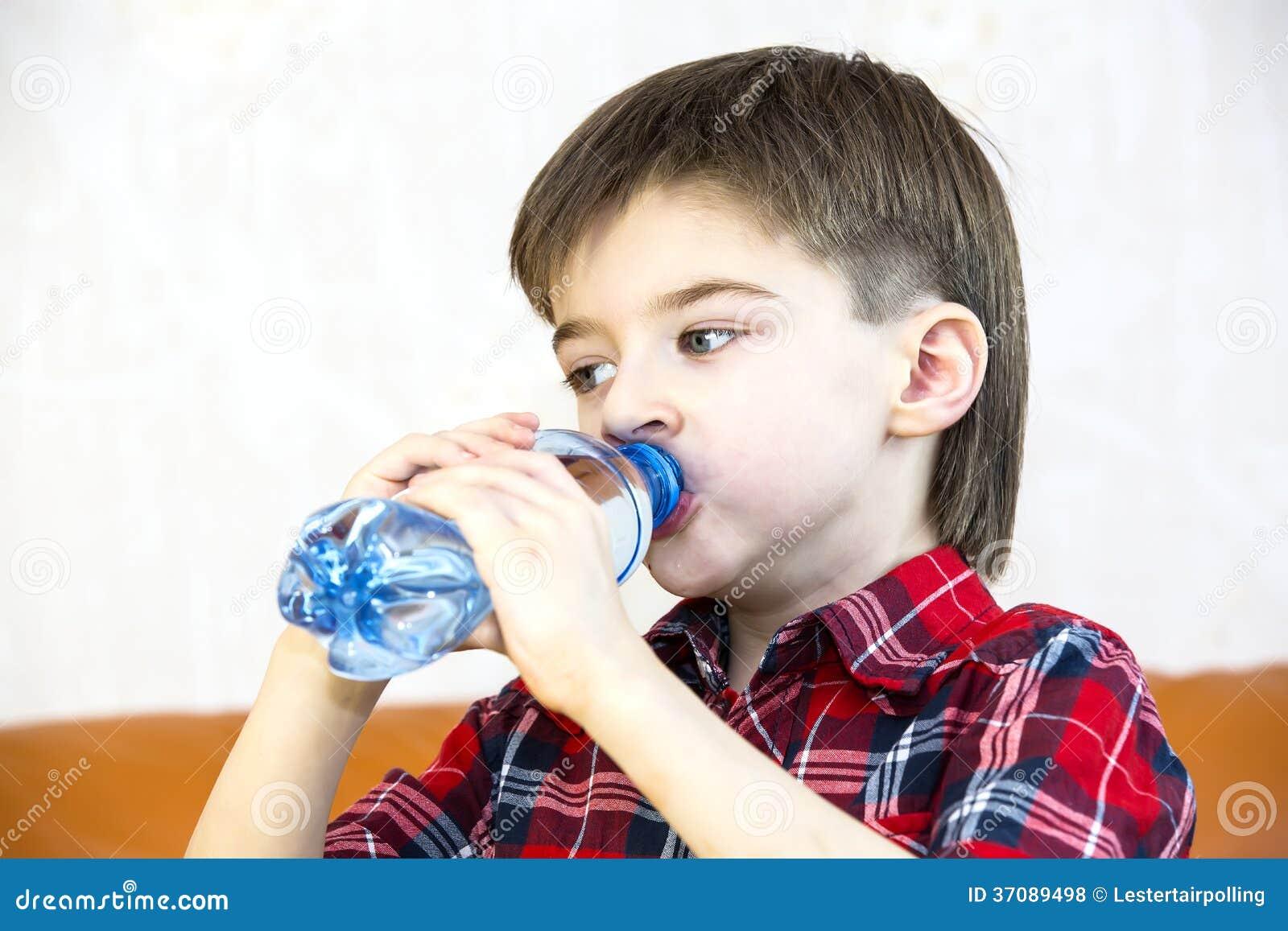 Download Dzieci zdjęcie stock. Obraz złożonej z jaskrawy, przystojny - 37089498