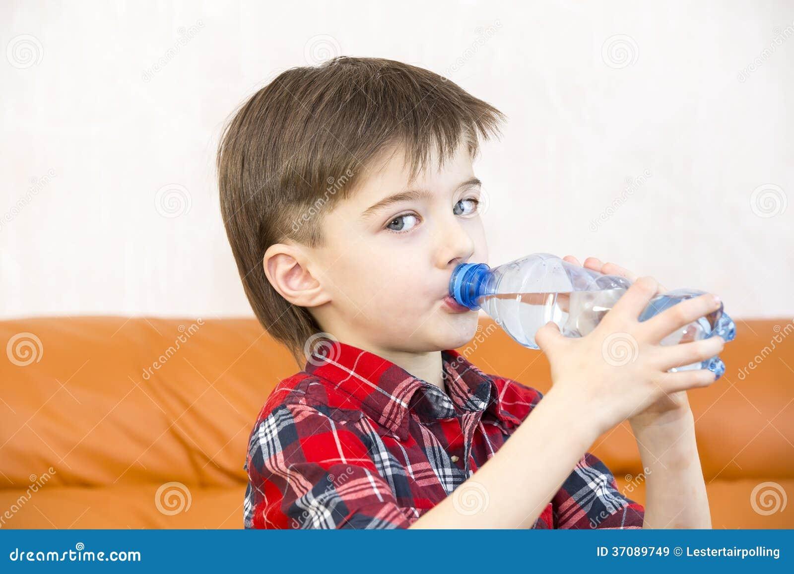 Download Dzieci obraz stock. Obraz złożonej z aquaculture, przyjemność - 37089749