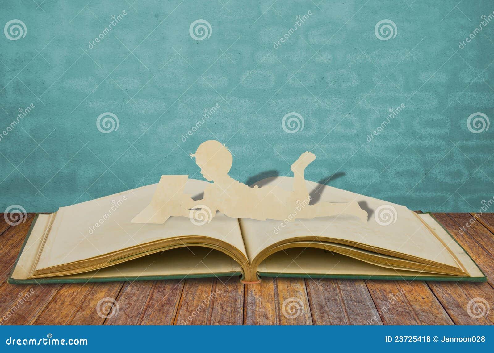 Dzieci papierowy cięcie czyta książkę