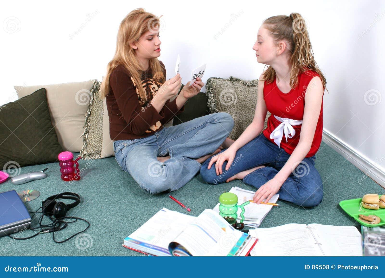 Dzieci, pracę domową razem