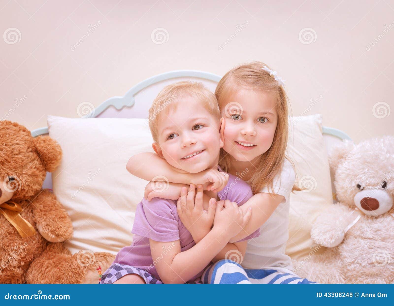 Dzieci zabawy szczęśliwy mieć