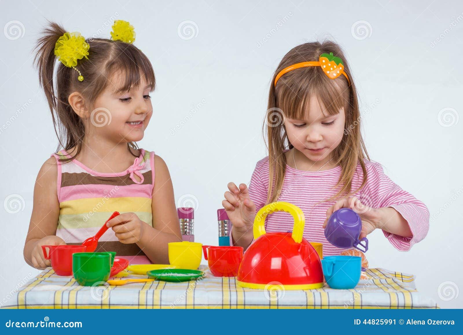 Dzieciaków bawić się