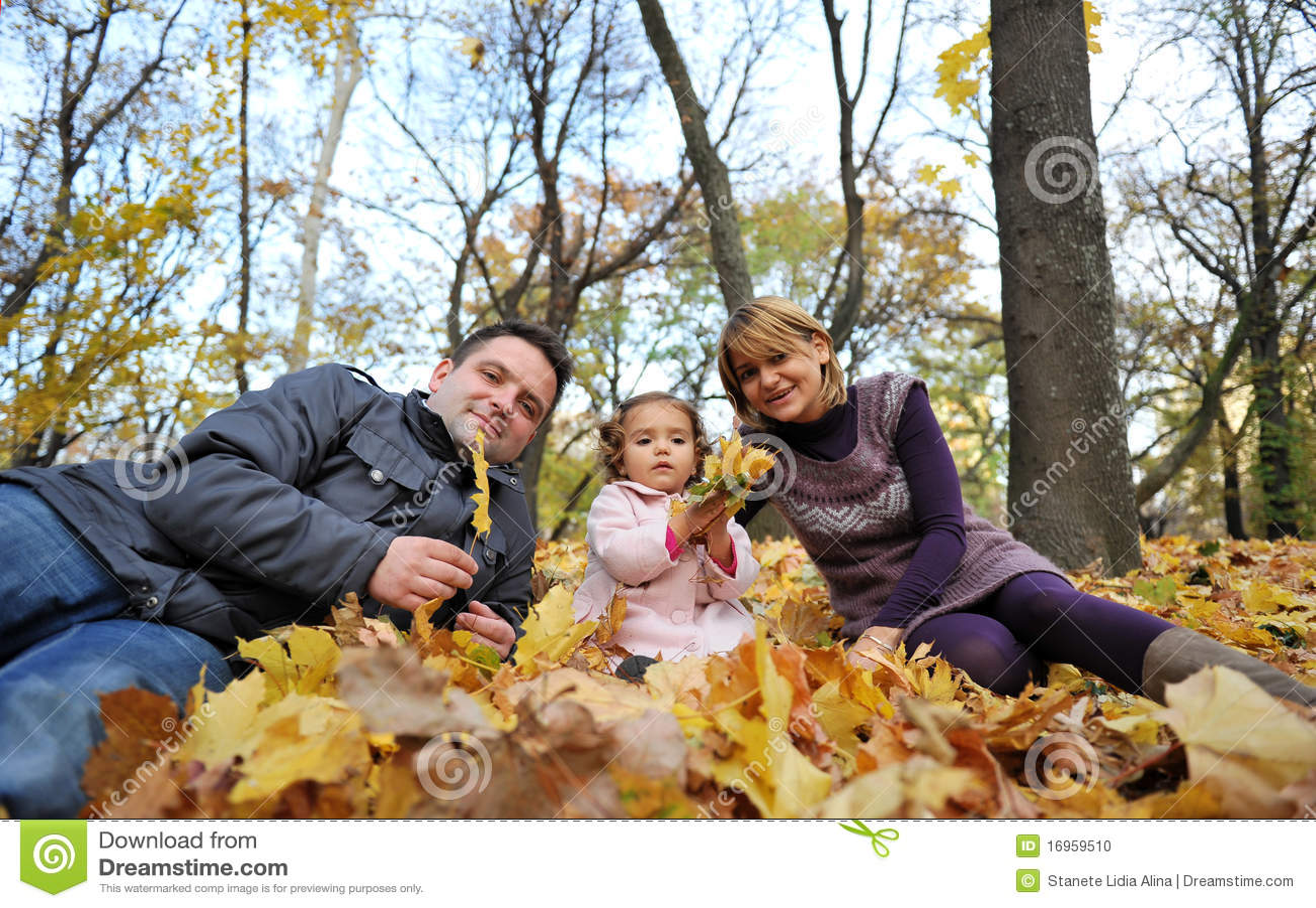 Dzieciaków szczęśliwi rodzice