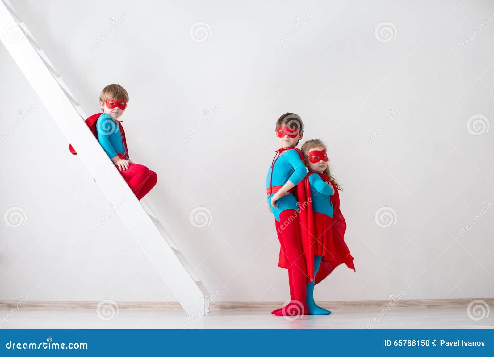 Dzieciak sztuk bohater