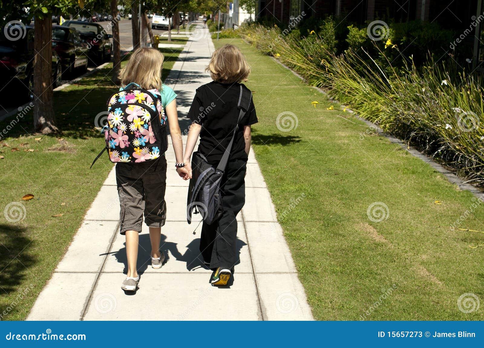 Dzieciaki target1432_1_ uczą kogoś dwa