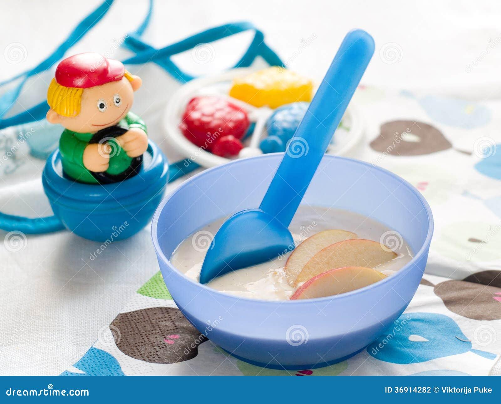 Dziecka jedzenie