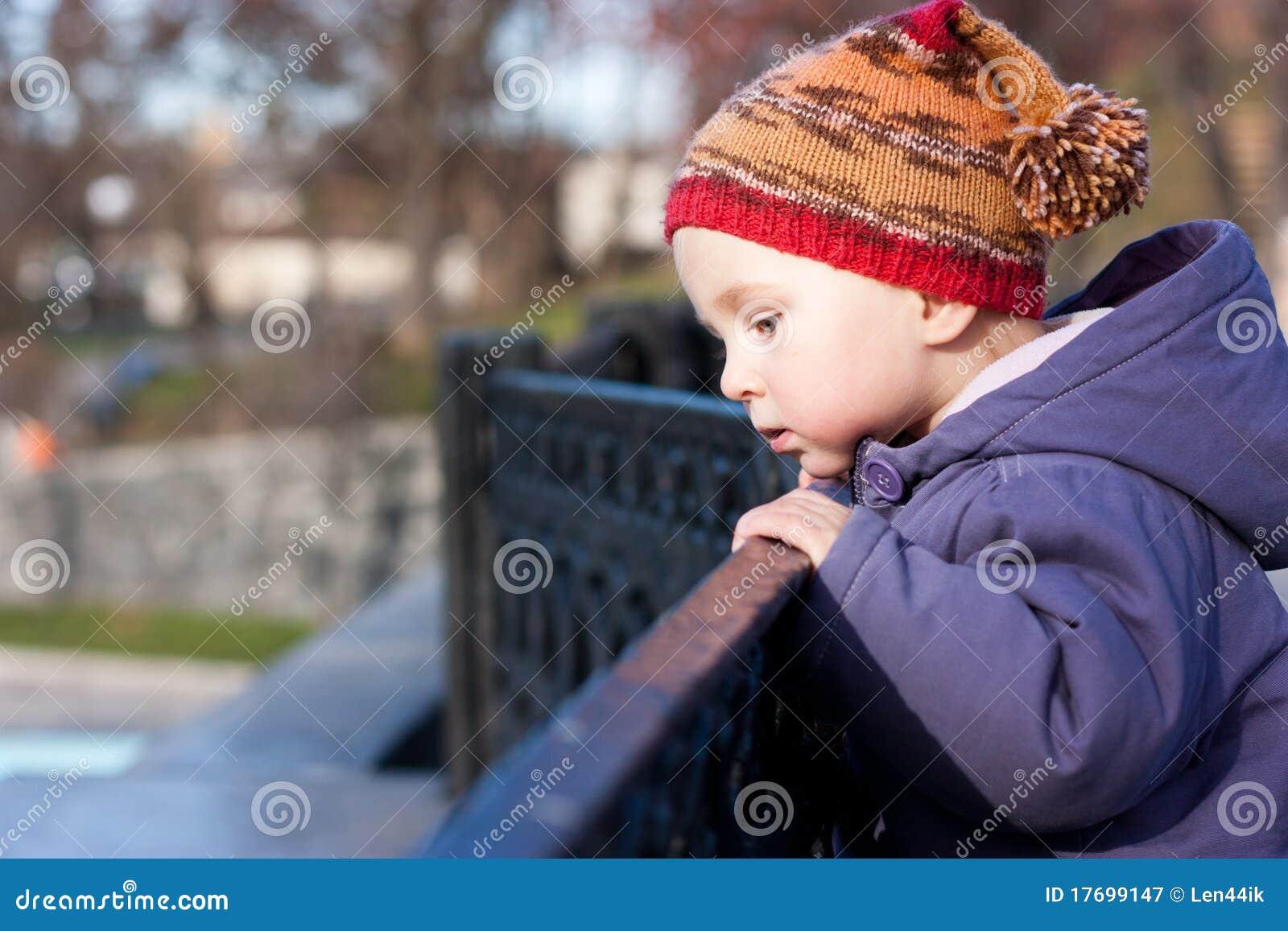 Dziecka target1687_0_ piękny dystansowy